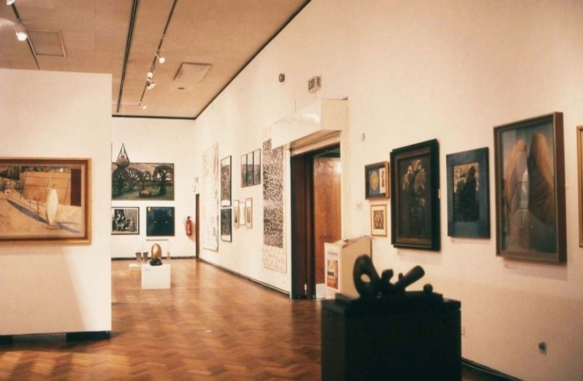 Foreground: the 1930s, works by Nash, Moore, Mesens, Richards, Rimmington, Colquhoun;<br>Background: Recent Affinities.