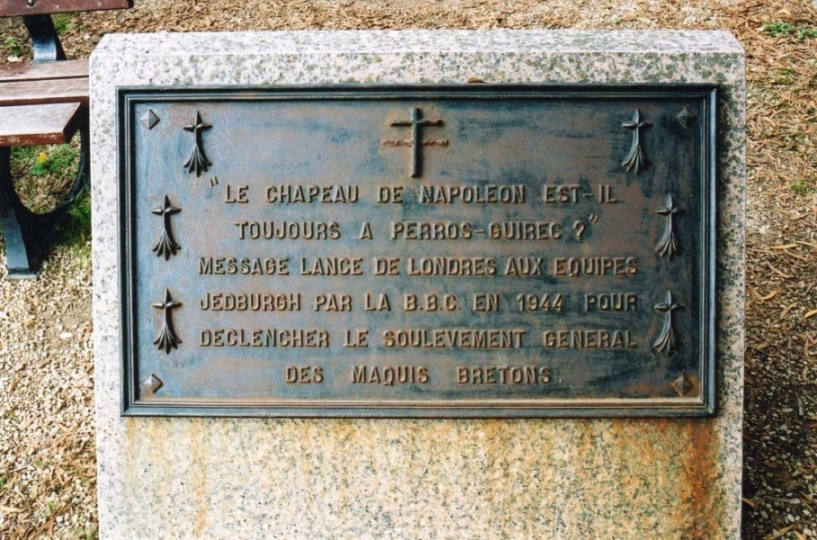 Plaque near the beach at Ploumanac'h (Perros- Guirec is a nearby village)