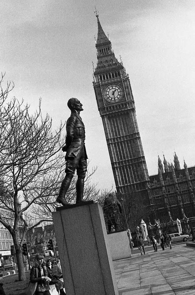 1.-London
